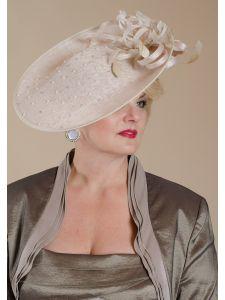 Női kalapok - Divatos és elegáns menyasszonyi ruhák ac6ecb4157