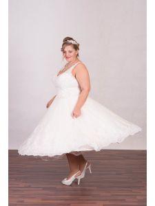 89c3607bee Molett menyasszonyi ruhák, plus size esküvői ruhák - Divatos és ...