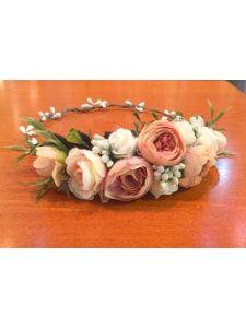 fddafc912d Esküvői fejdíszek, diadémok - Divatos és elegáns menyasszonyi ruhák ...