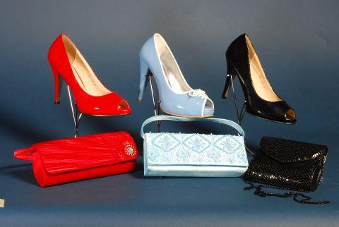 b1ff8f01f4 Esküvői és alkalmi cipők - Divatos és elegáns menyasszonyi ruhák ...